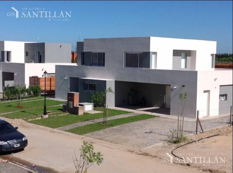 Foto Casa en Venta en  Casas de Santa Maria,  Villanueva  Casas de Santa María, Villa Nueva | Eidicasa