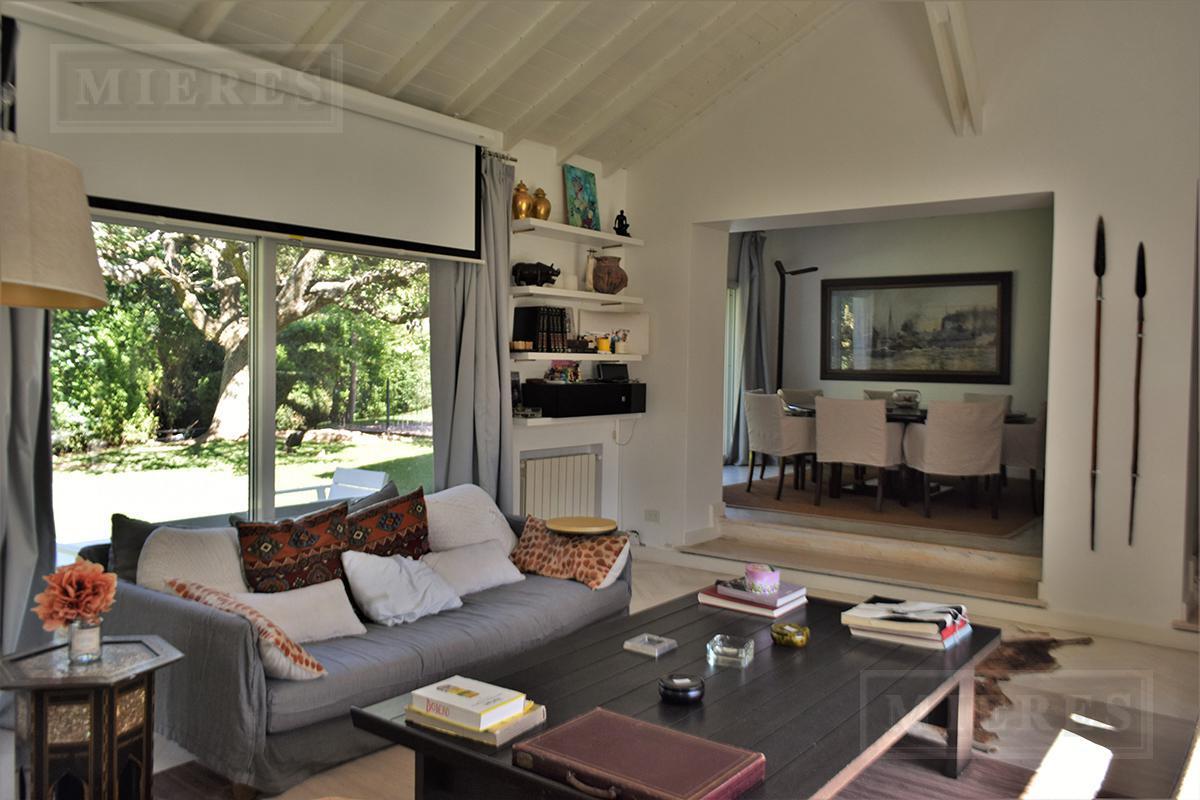 Casa  de 350 mts en Tortugas C.C