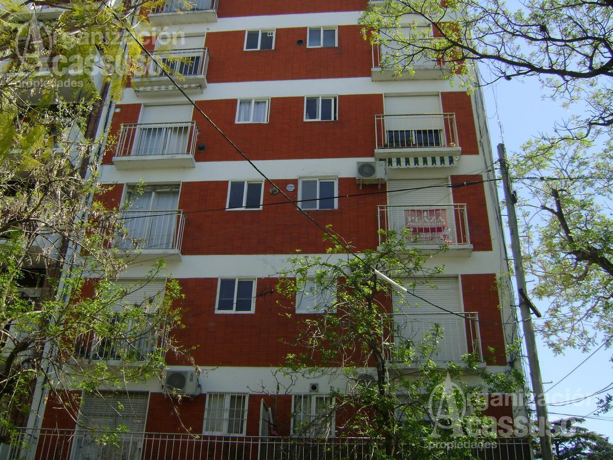 Foto Departamento en Venta en  San Isidro,  San Isidro          Rivadavia al 200  San Isidro Centro