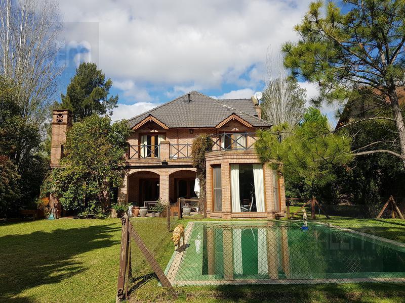 Foto Casa en Venta en  Esteban Echeverria ,  G.B.A. Zona Sur  Saint Thomas Norte