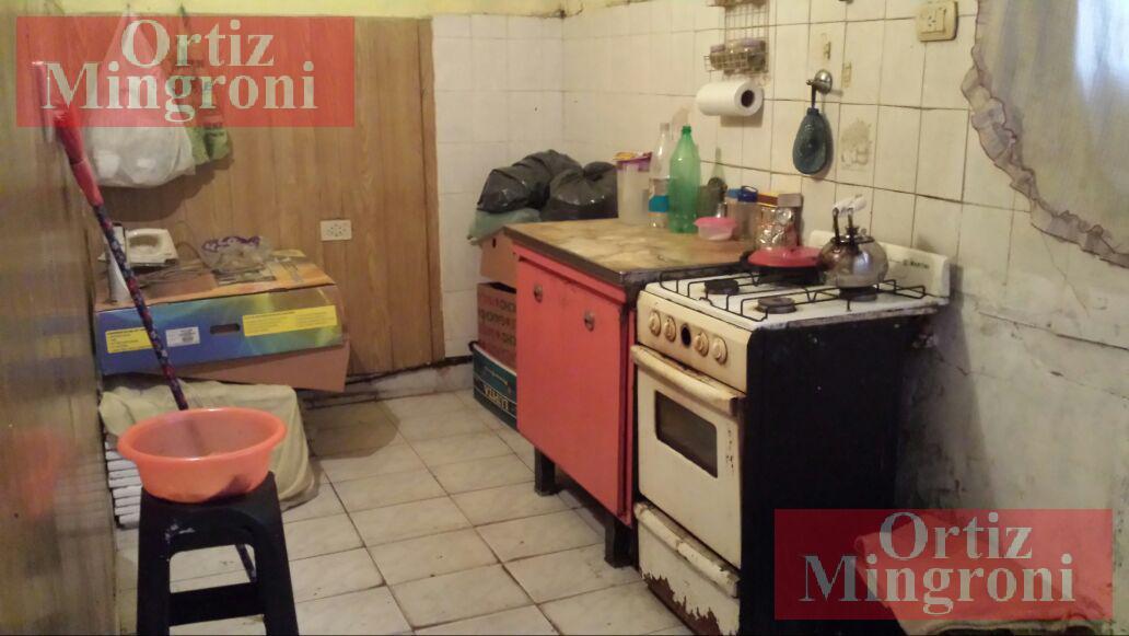 Foto Casa en Venta en  Lomas De Zamora ,  G.B.A. Zona Sur  Sáenz al 2300
