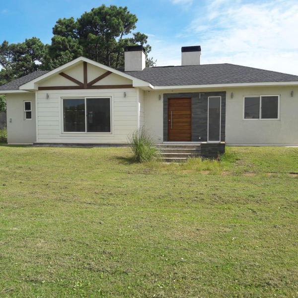 Foto Casa en Alquiler en  El Pinar ,  Canelones  Queguay 9800