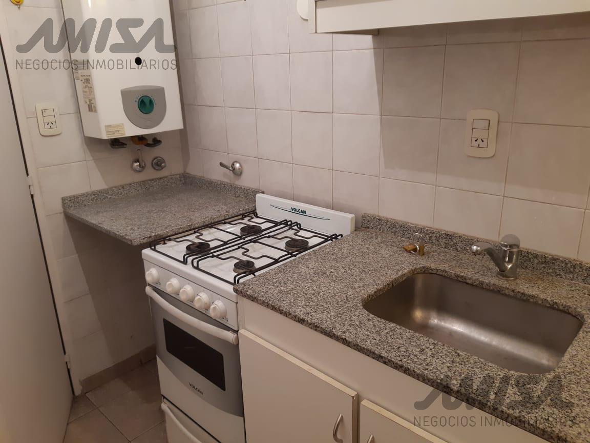 Foto Departamento en Alquiler en  Macrocentro,  Rosario  San Luis al 2900