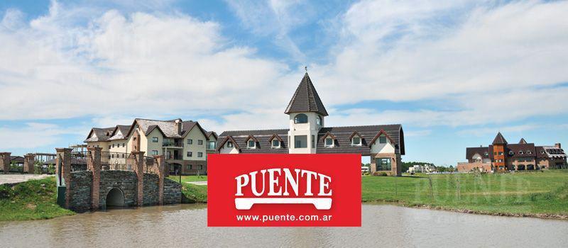 Foto Casa en Venta en  El Principado,  Countries/B.Cerrado (San Vicente)  Principado con Fondo a la laguna
