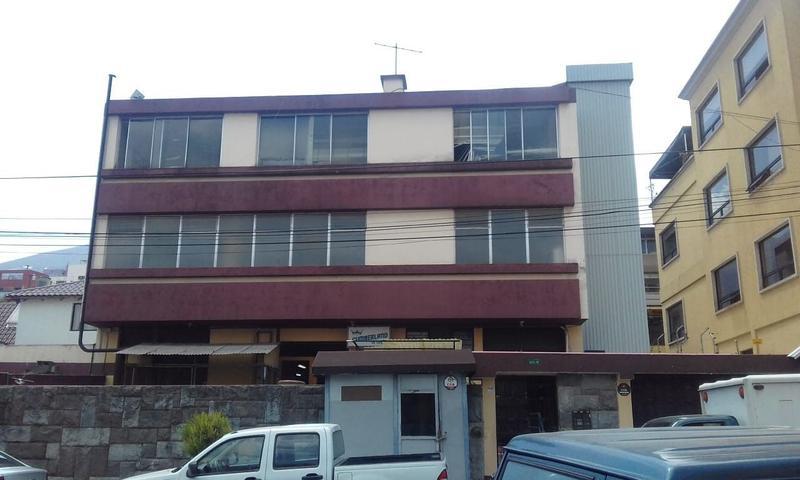 Foto Oficina en Alquiler en  Centro de Quito,  Quito  Oficina de arriendo