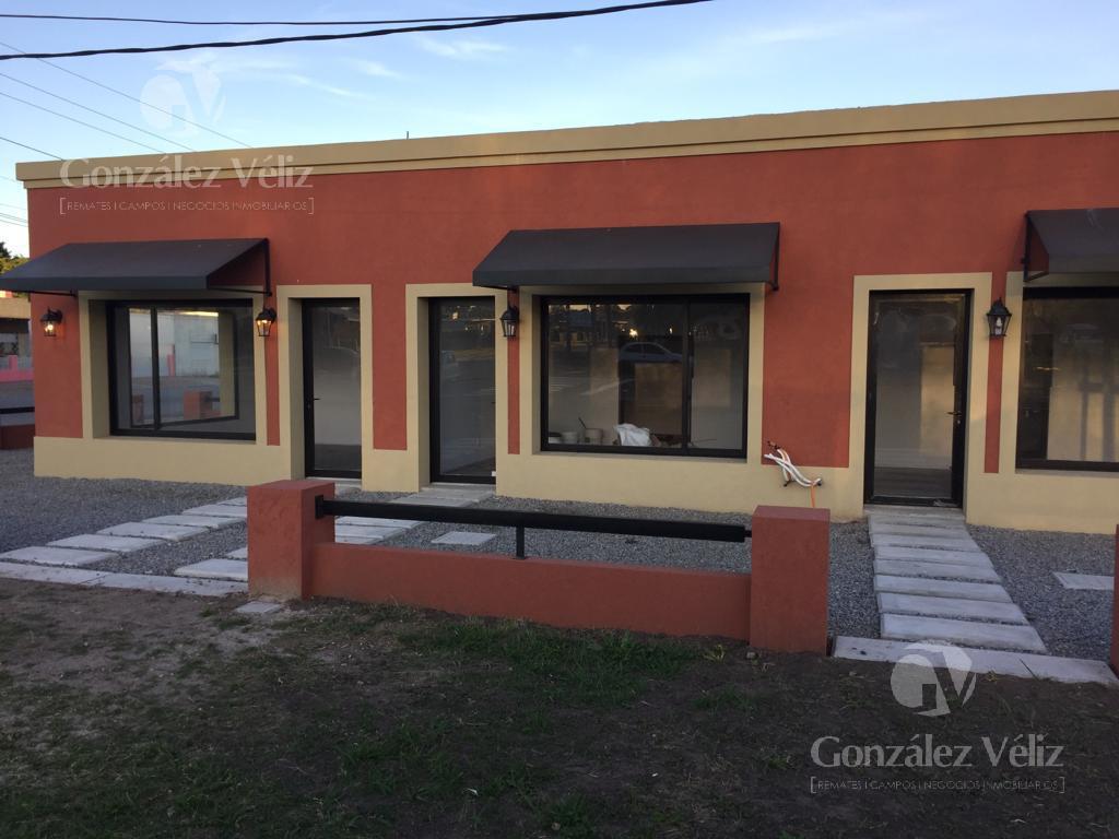Foto Local en Alquiler en  Carmelo ,  Colonia  Av. Italia y Paraguay