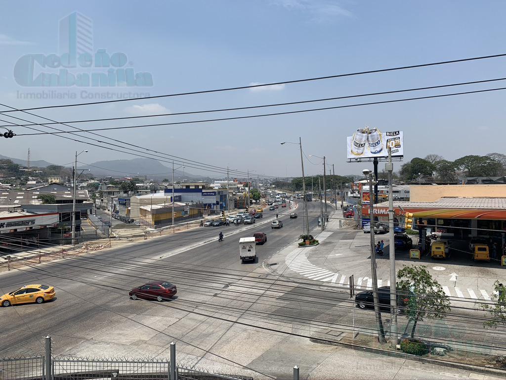Foto Bodega en Alquiler en  Guayaquil ,  Guayas  ALQUILER DE OFICINA CON BODEGA AV JUAN TANCA MARENGO