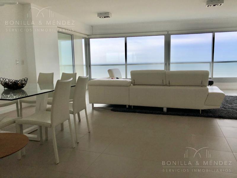 Foto Apartamento en Venta en  Playa Brava,  Punta del Este  Rambla Brava y Avda. Roosevelt