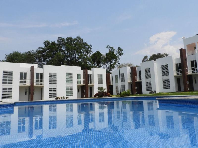 Foto Casa en condominio en Venta en  Centro Jiutepec,  Jiutepec                  Venta de casas en condominio con alberca, Jiutepec, Centro..Clave 2565
