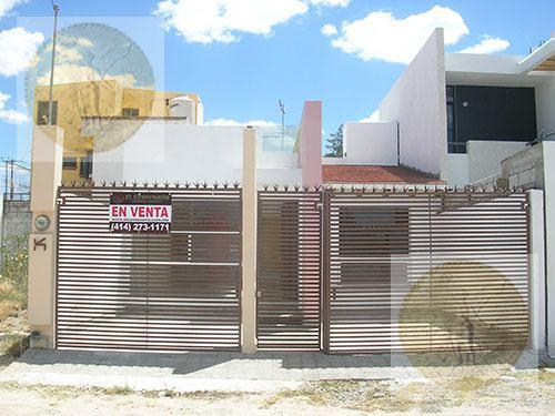 Foto Casa en Venta |  en  Vista Hermosa,  Tequisquiapan  Preciosa casita, acogedora.