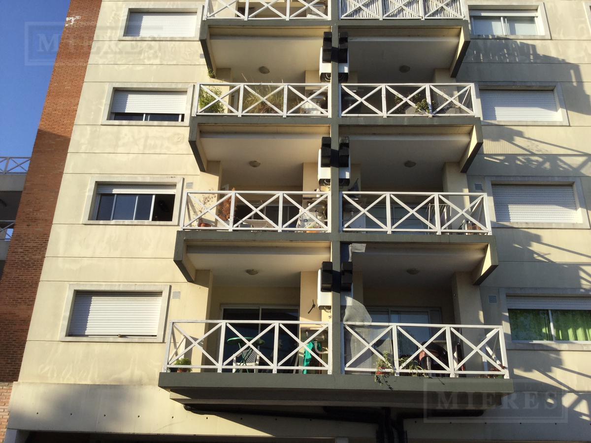 Departamento en alquiler en Balcones de  Tigre