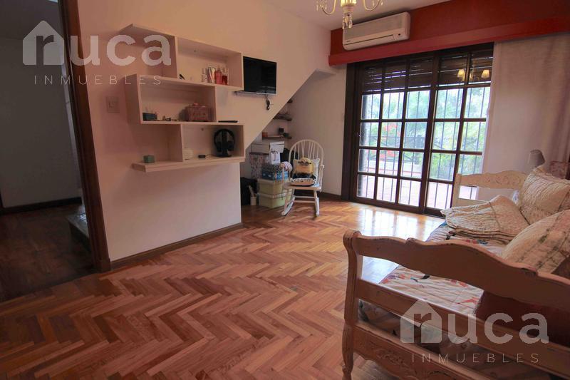 Foto Casa en Venta en  Villa Ballester,  General San Martin   Casa 5 ambientes - Pozos al 4400