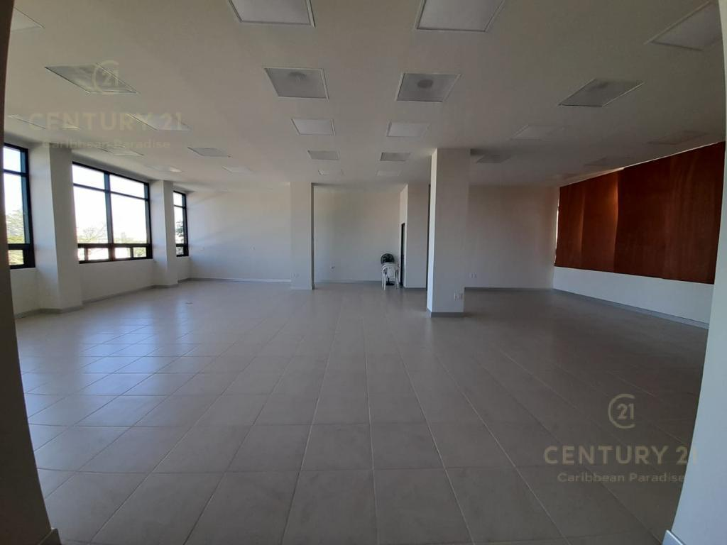 Cancún Commercial Building for Rent scene image 11