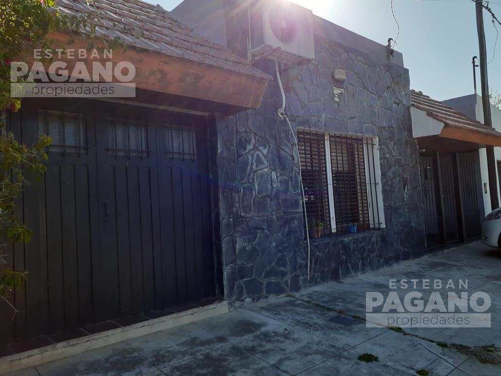 Foto Casa en Venta en  Villa Elvira,  La Plata  1 Bis esquina 82