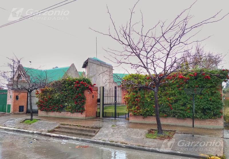 Foto Casa en Venta en  Trelew ,  Chubut  Urquiza al 1400