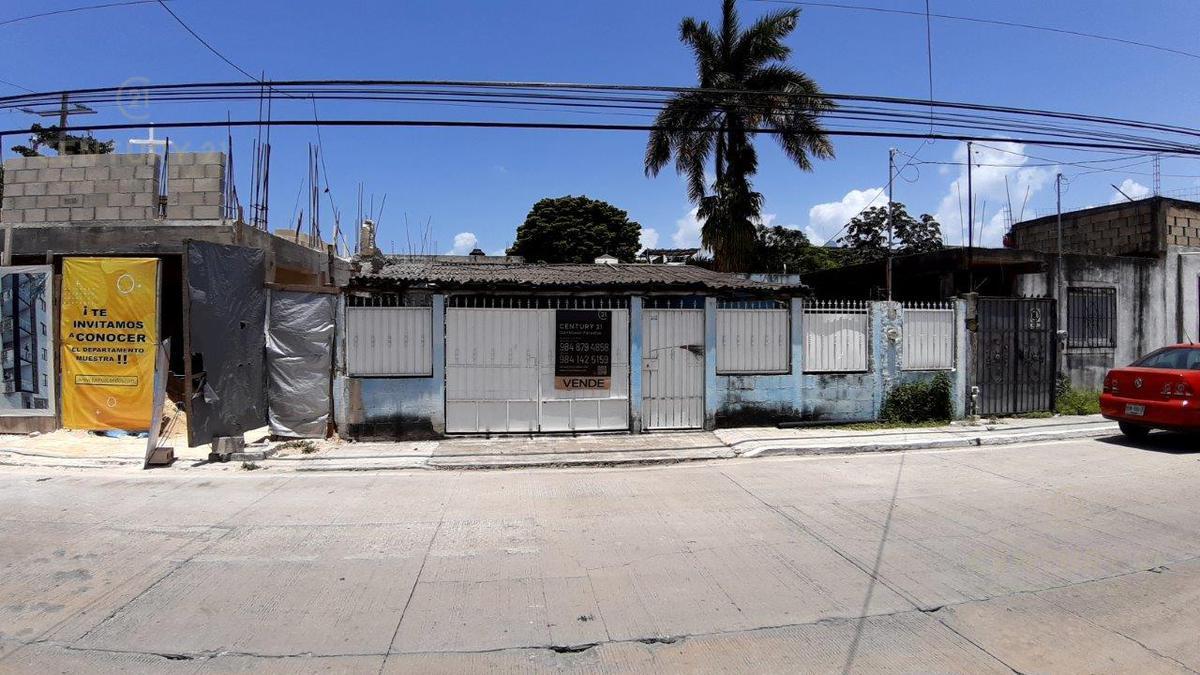 Playa del Carmen Centro House for Sale scene image 3