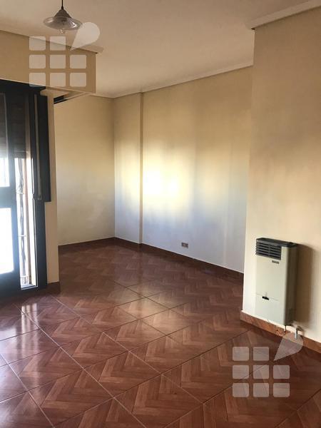Foto Departamento en Alquiler en  La Plata ,  G.B.A. Zona Sur  49 e/ 2 y 3