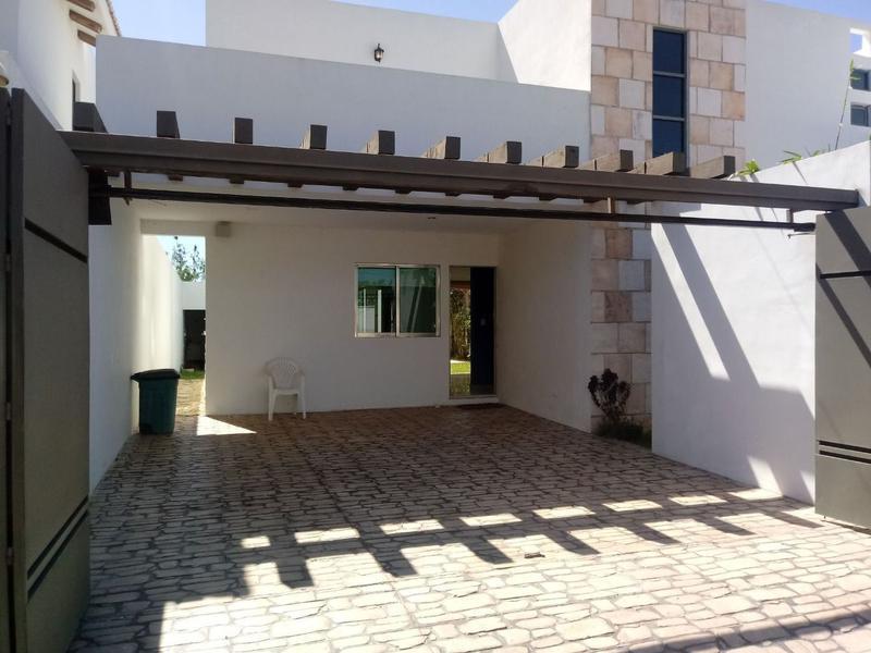 Foto Casa en Venta en  Pueblo Temozon Norte,  Mérida  Casa en Venta en Temozón 356 m2, 3 habitaciones y piscina,