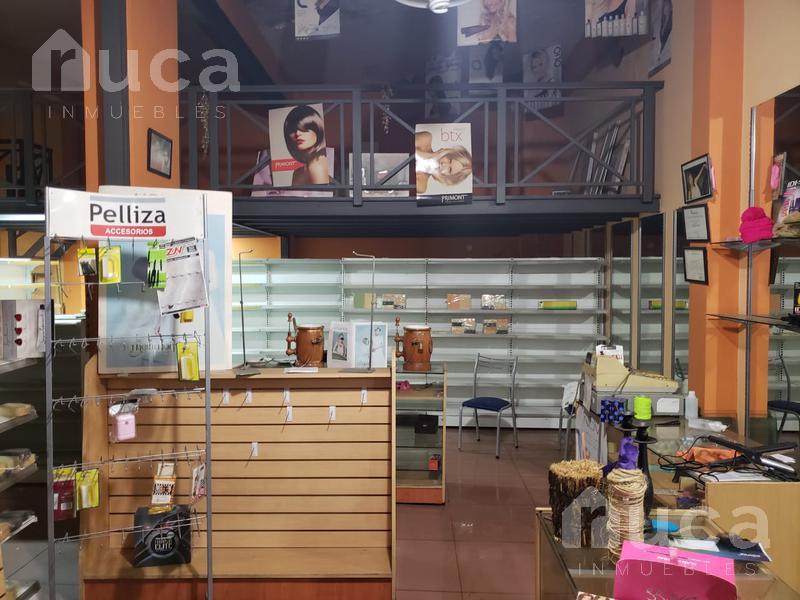 Foto Local en Alquiler en  Martinez,  San Isidro  Excelente local de 7 mts de frente en zona comercial a metros de Av. Santa Fe/Maipú -Paraná al 1400