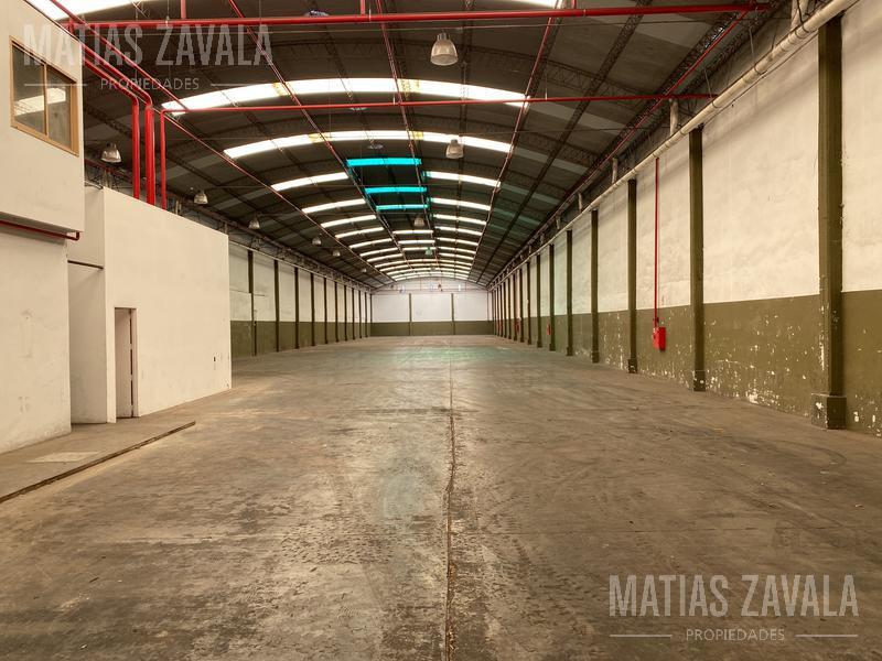 Foto Galpón en Venta | Alquiler en  Mataderos ,  Capital Federal  Zuviria al 6700