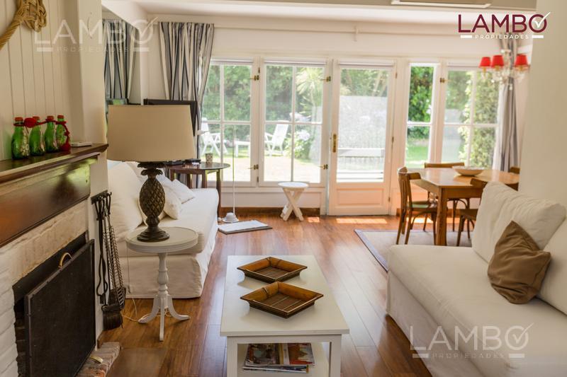 Foto Casa en Alquiler temporario en  Playa Brava,  Punta del Este  ALQUILER TEMPORARIO 2020/2021- Parada 16, La Brava-Punta del Este