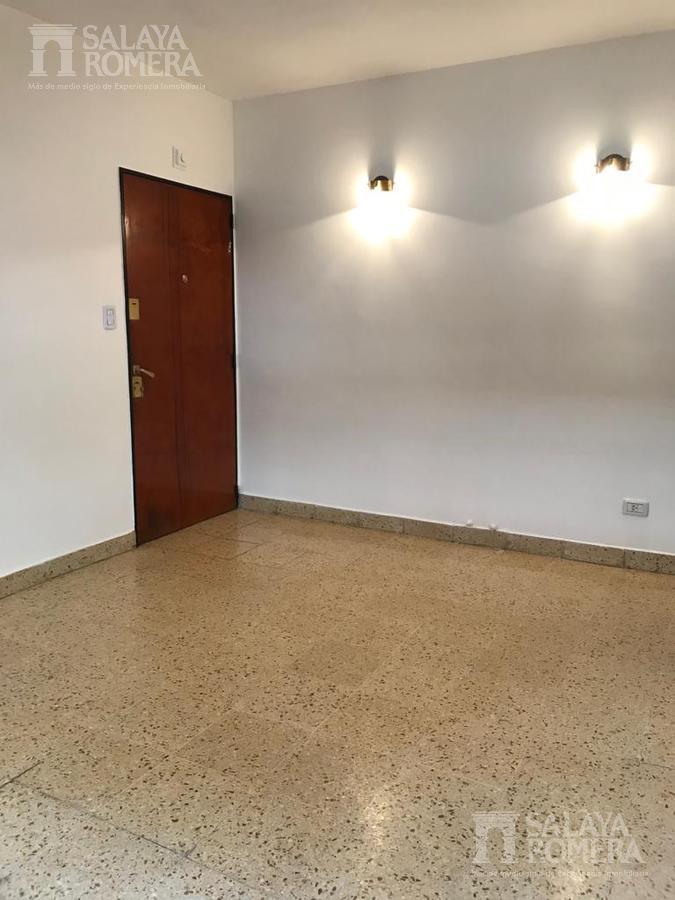 Foto Departamento en Alquiler en  Olivos,  Vicente López  Uribelarrea al 400