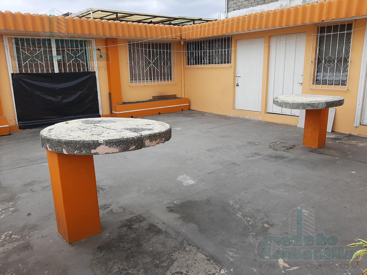 Foto Edificio Comercial en Venta en  Norte de Guayaquil,  Guayaquil  SE VENDE EDIFICIO RENTERO EN AVENIDA PLAZA DAÑÍN
