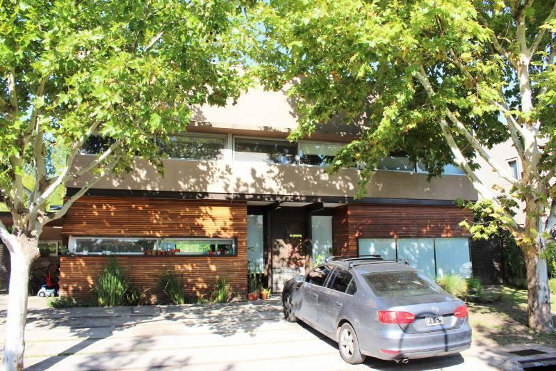 Foto Casa en Venta en  La Laguna,  Rincon de Milberg  Av de los Bosques