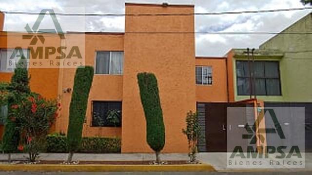 Foto Casa en Renta en  Jardines de Santa Cecilia,  Tlalnepantla de Baz  Calle Azales
