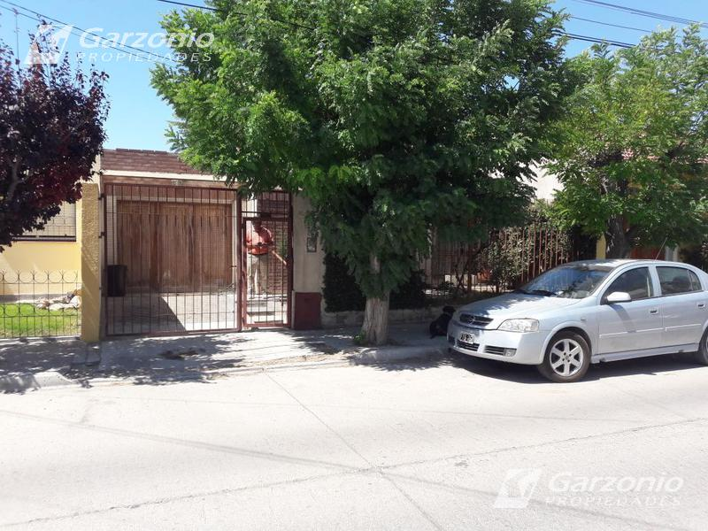 Foto Casa en Venta en  Trelew ,  Chubut  Javiera Sosa casi Pellegrini