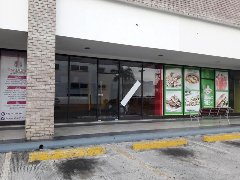 Foto Local en Renta en  Fraccionamiento Lomas Del Naranjal,  Tampico  Local Comercial en Renta   Plaza Dorada Tampico