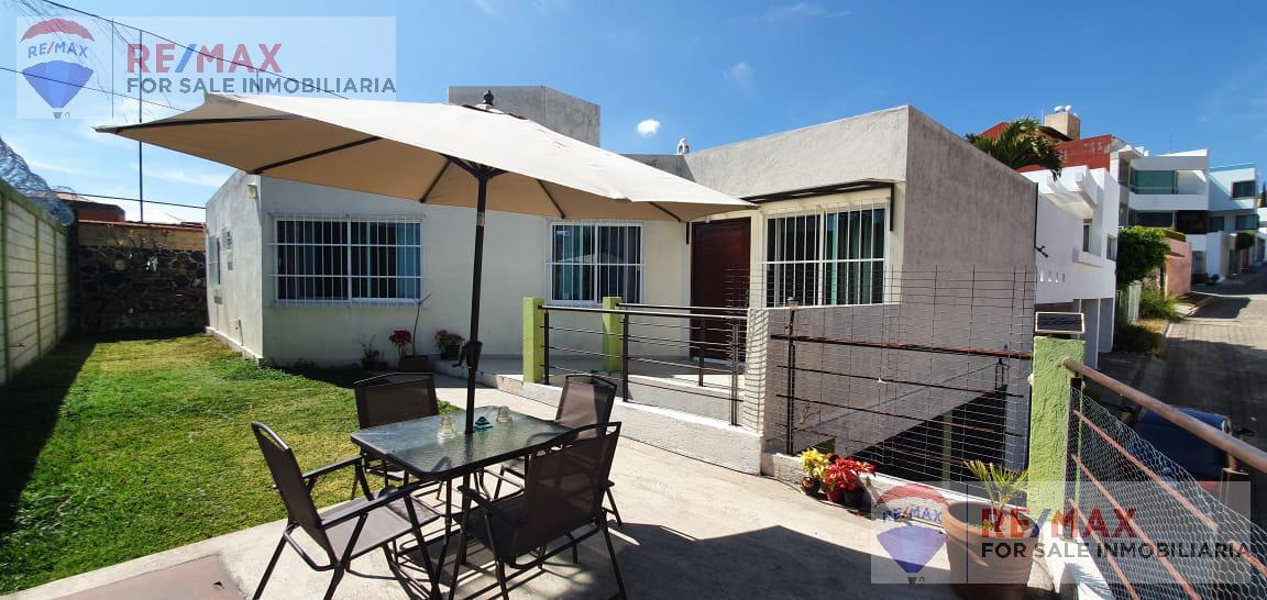 Foto Casa en Venta en  Fraccionamiento Ahuatlán Tzompantle,  Cuernavaca  Venta de casa en Ahuatlán Tzompantle, Cuernavaca, Mor…Clave 3036