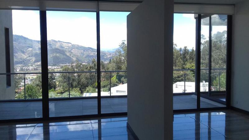 Foto Departamento en Alquiler en  Cumbayá,  Quito  San Juan de Cumbayá