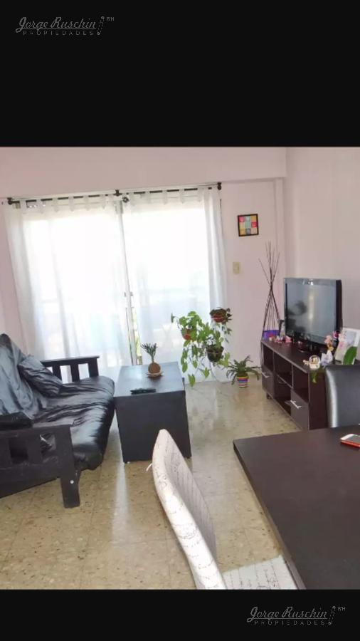 Foto Departamento en Venta |  en  Barracas ,  Capital Federal  Av. Montes de Oca al al 1100