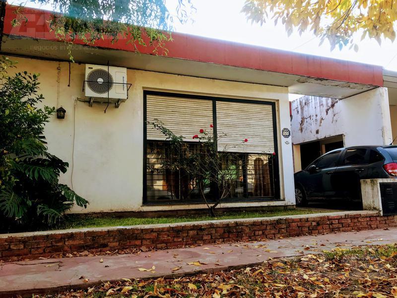 Foto Casa en Venta en  Castelar Sur,  Castelar  Villa de Lujan al 900