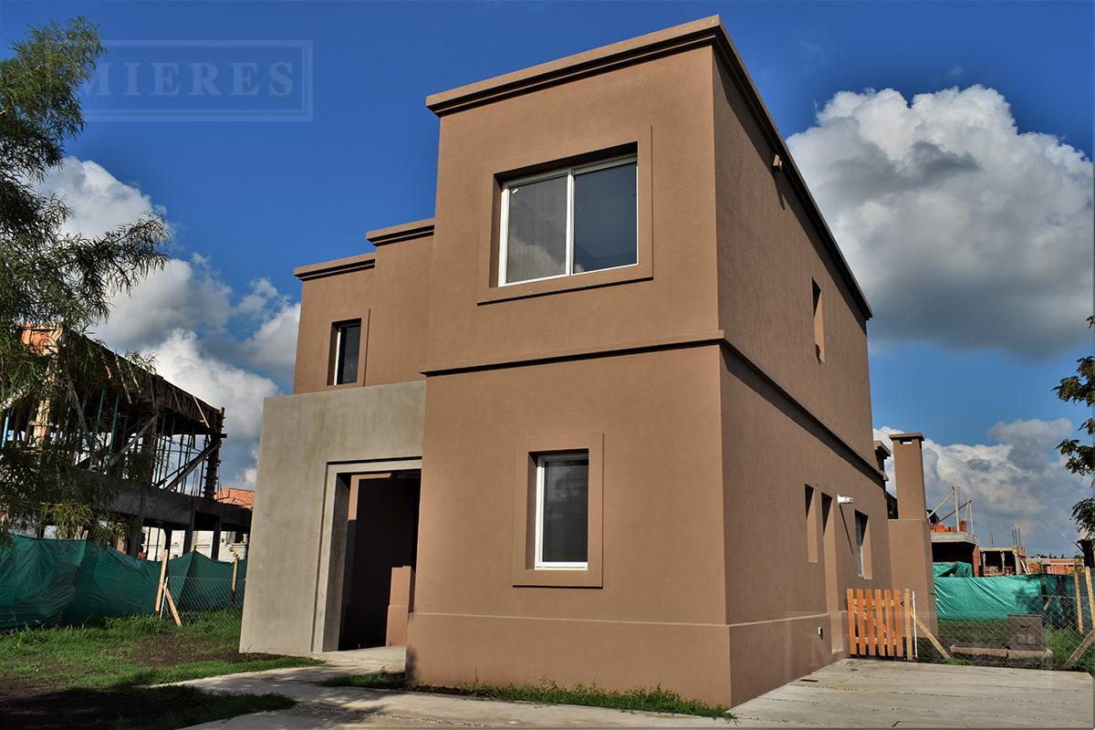 Casa de 208 mts en  Ayres Plaza