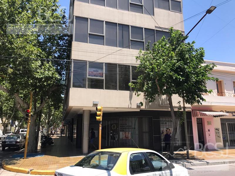 Foto Oficina en Alquiler en  Capital ,  San Juan  Ed. Derby
