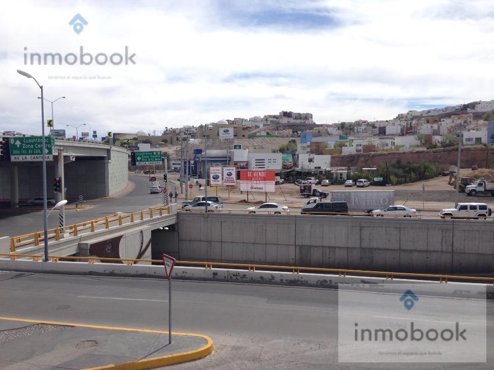 Foto Terreno en Venta en  Fraccionamiento Las Canteras,  Chihuahua  Terreno en Venta Esquina Periferico de La Juventud y Av de La Cantera