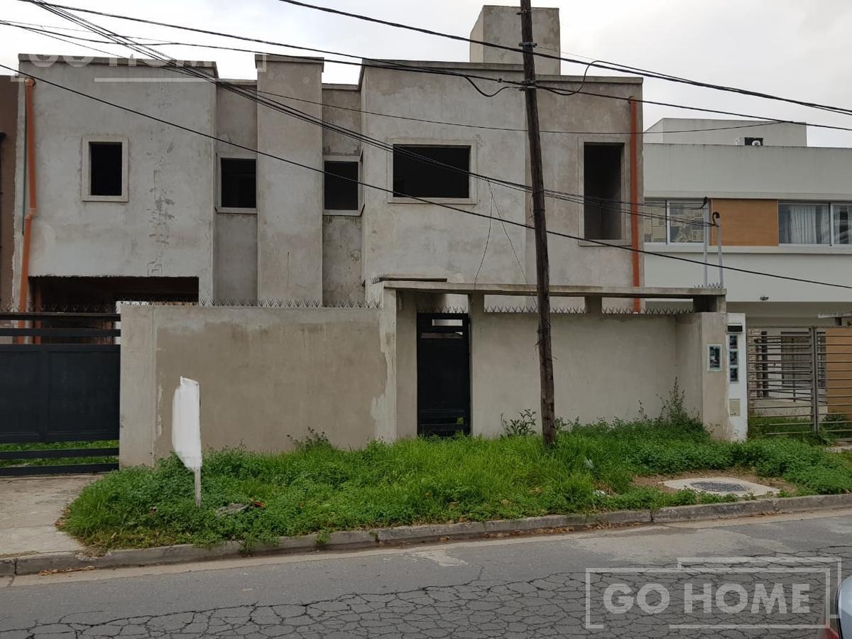 Foto Casa en Venta en  Ituzaingó,  Ituzaingó  monroe al 700