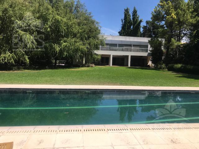 Foto Casa en Alquiler en  Mayling Club De Campo,  Countries/B.Cerrado  Mayling Club de Campo