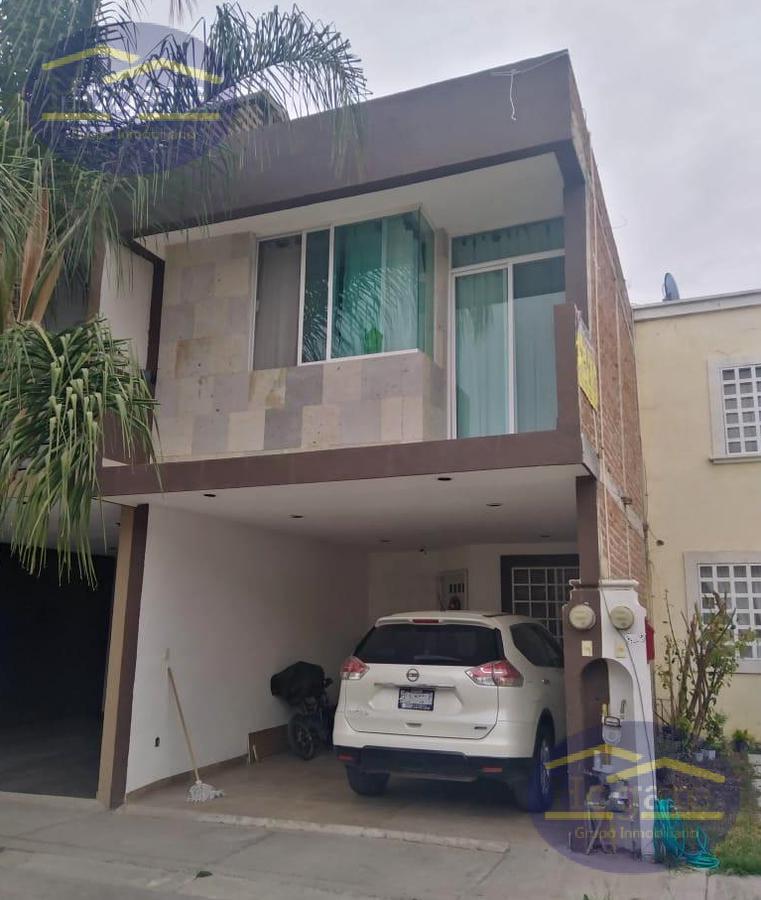 Casa en Venta Fraccionamiento con alberca Brisas del Pedregal León Gto