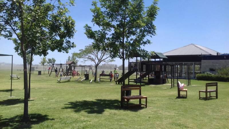 Foto Casa en Venta en  El Canton,  Countries/B.Cerrado (Escobar)  Barrio Norte al 200