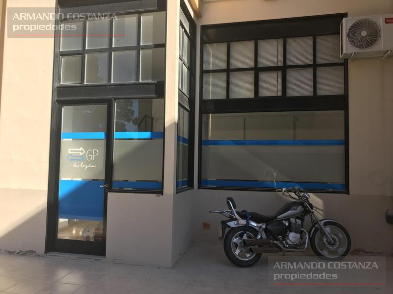 Foto Oficina en Venta en  Puerto Madryn,  Biedma  HIPOLITO IRIGOYEN 257