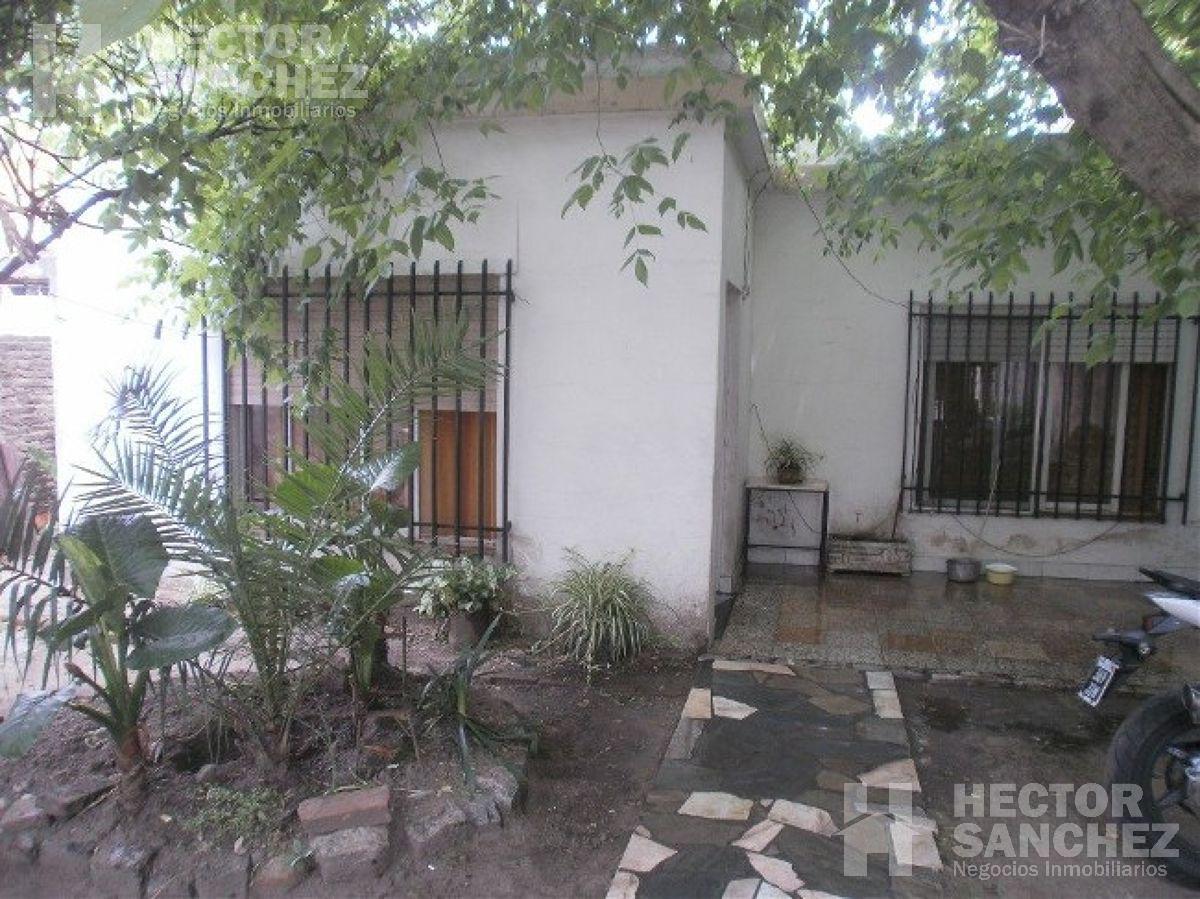 Foto Casa en Venta en  Moron,  Moron   OPORTUNIDAD ÚNICA!!!Santa María al 800
