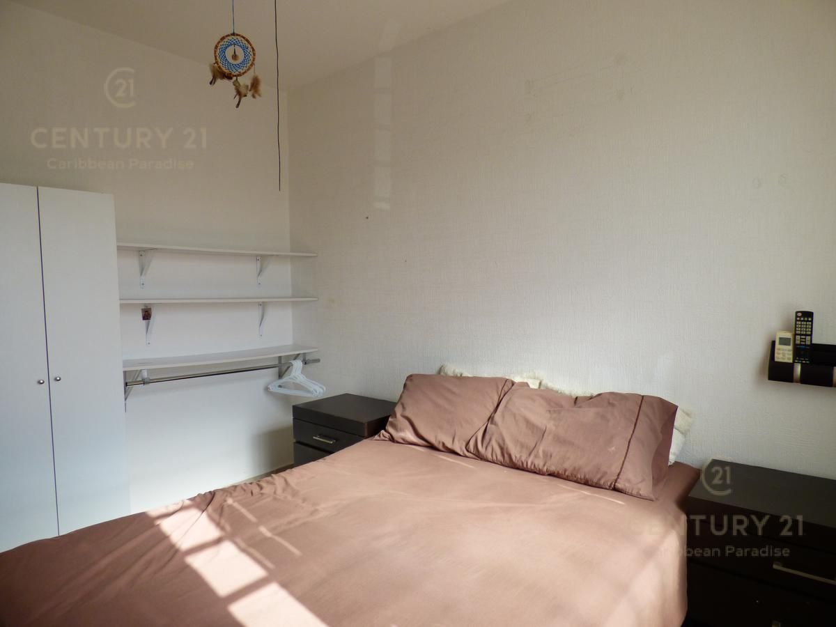Las Palmas House for Rent scene image 12