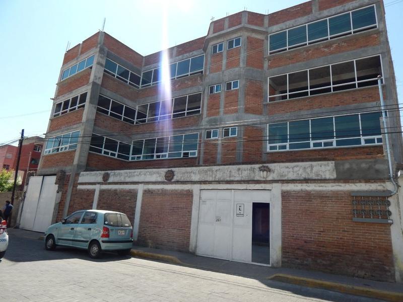 Foto Edificio Comercial en Renta en  San Mateo,  Metepec  MAGNIFICO EDIFICIO EN RENTA EN METEPEC