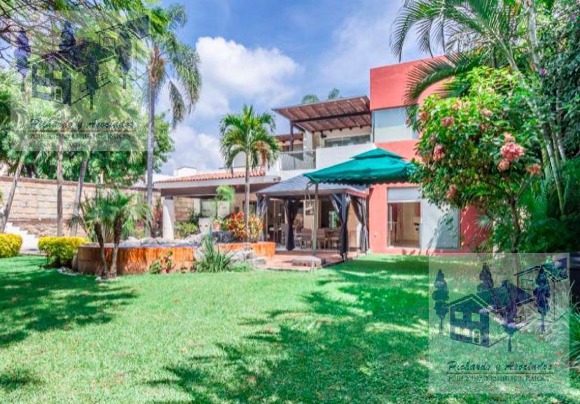 Foto Casa en Venta en  Fraccionamiento Jardines de Ahuatepec,  Cuernavaca  Jardines de Ahuatepec
