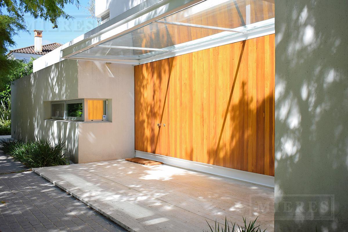 MIERES Propiedades- Casa de 330 mts en Mayling Club De Campo