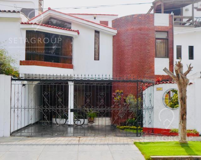Foto Casa en Venta en  La Molina,  Lima  Calle El Pozo