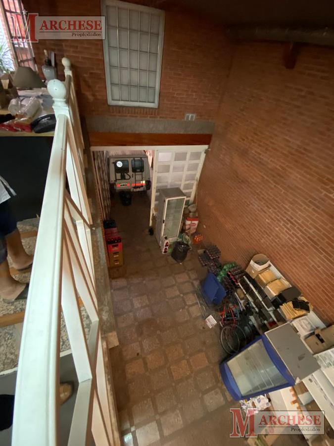 Foto Local en Alquiler en  Moron,  Moron  Intendente Grant al 600